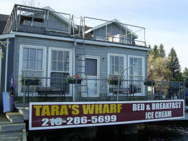 Rainy Lake Inn & Suites at Tara's Wharf, Ranier Minnesota