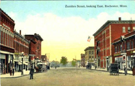 Zumbro Street looking east, Rochester Minnesota, 1914