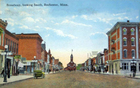 Broadway looking south, Rochester Minnesota, 1916