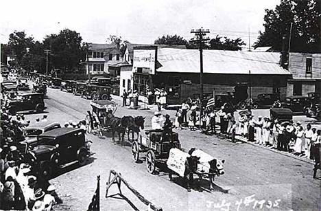 July Fourth parade, Rush City Minnesota, 1935