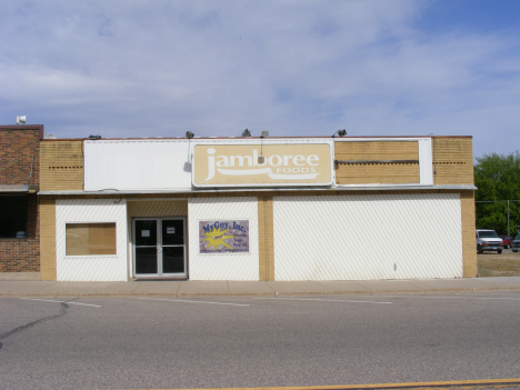 Now closed Jamboree Foods, Sherburn Minnesota, 2014