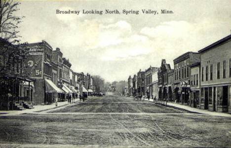 Broadway looking north, Spring Valley Minnesota, 1910's
