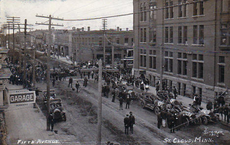 Fifth Avenue, St. Cloud Minnesota, 1909