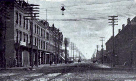 Fifth Avenue looking south, St. Cloud Minnesota, 1906