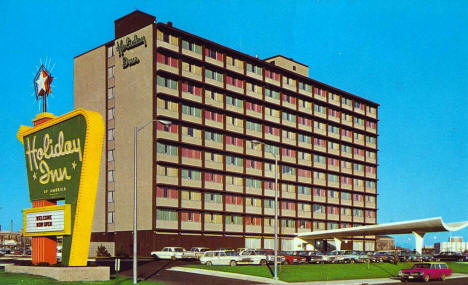 Holiday Inn (now Kelly Inn), St. Paul Minnesota, 1960's