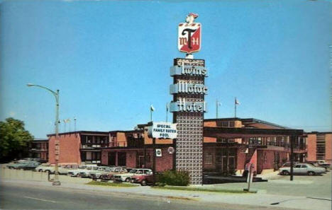 Twins Motor Hotel, St. Paul Minnesota, 1967