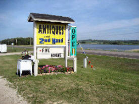 Roadside Antiques and 2nd Hand, Starbuck Minnesota