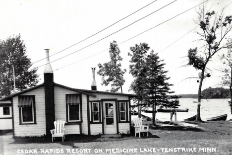 Cedar Rapids Resort on Medicine Lake, Tenstrike Minnesota, 1955