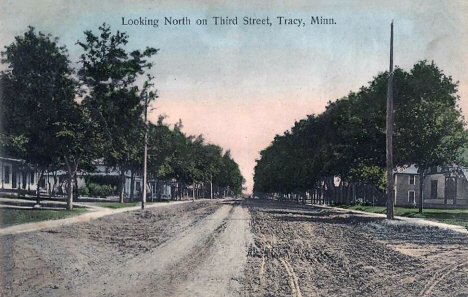 Looking north on Third Street, Tracy Minnesota, 1910