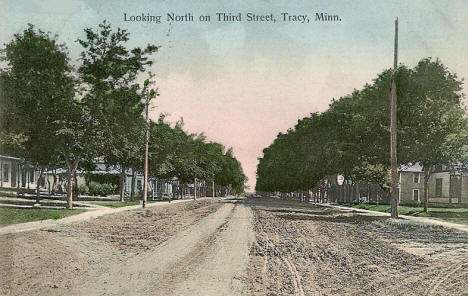Looking north on Third Street, Tracy Minnesota, 1910's