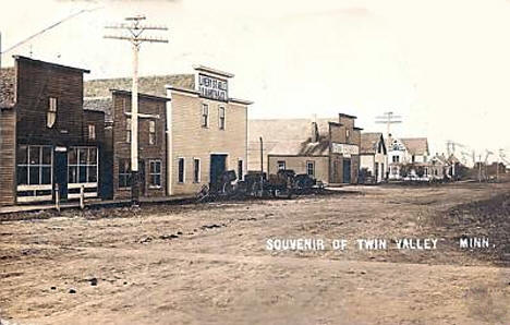 Street scene, Twin Valley Minnesota, 1907