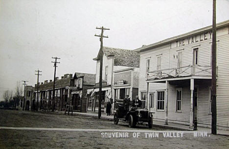 Street scene, Twin Valley Minnesota, 1913