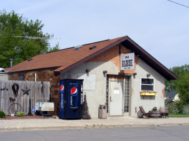 R & R Roadhouse Bar & Grill, Walters Minnesota, 2014