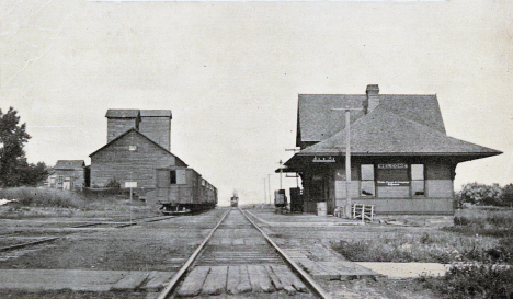 Milwaukee Depot and Elevators, Welcome Minnesota, 1912