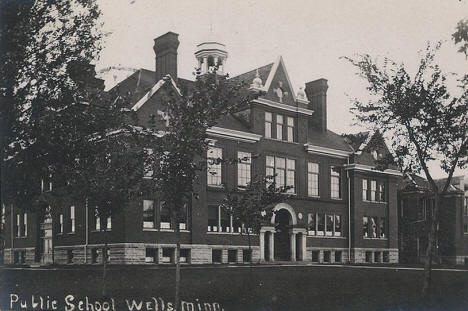 Public School, Wells Minnesota, 1910's