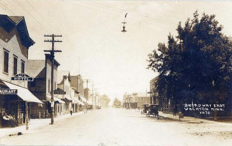 Broadway East, Wheaton Minnesota, 1915