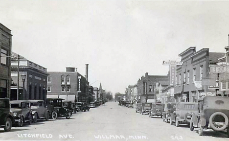 Litchfield Avenue, Willmar Minnesota, late 1920's