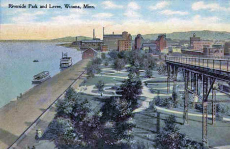 Riverside Park and Levee, Winona Minnesota, 1909