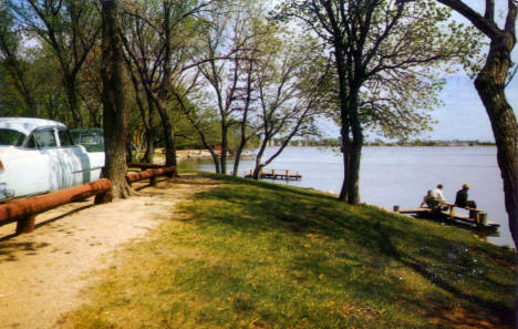 View of Lake Okabena, Worthington Minnesota, 1954