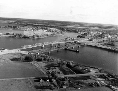 New International Bridge, Baudette and the Rainy River.