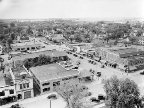 Looking beyond 4th & 5th along 10th Street, Worthington Minnesota, early 1940's