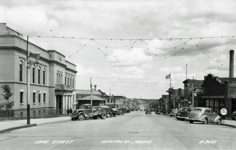 Lake Street, Chisholm Minnesota, 1940's