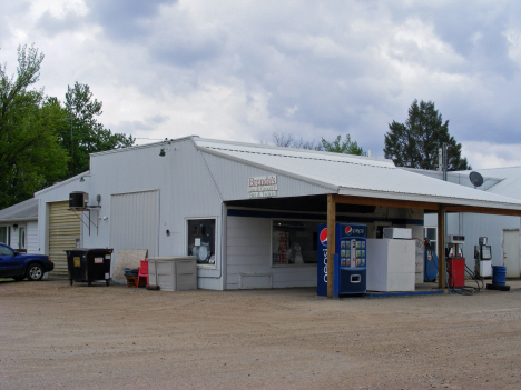 Brenda's Gas and Grocery, Dundee Minnesota, 2014