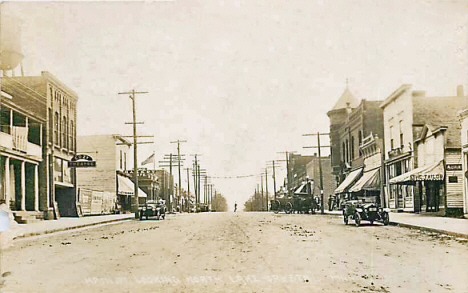 Main Street looking north, Lake Crystal Minnesota, 1921