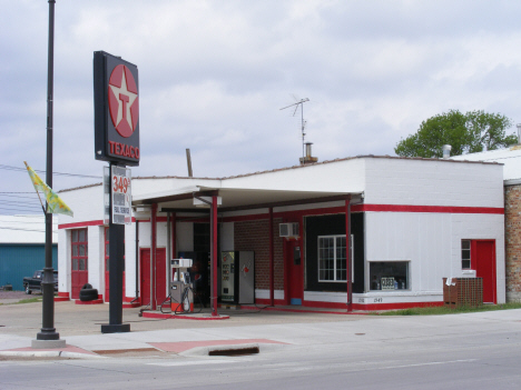 Texaco Station, Lakefield Minnesota, 2014