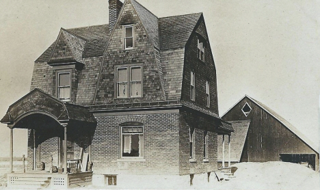 Residence of Dr. Bishop, Mapleton Minnesota, 1910's