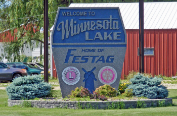 Welcome sign, Minnesota Lake Minnesota