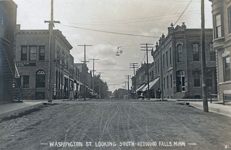 Washington Street looking south, Redwood Falls Minnesota, 1910's