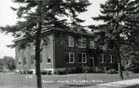 Court House, Roseau Minnesota, 1940's