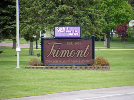 Welcome sign, Trimont Minnesota, 2014
