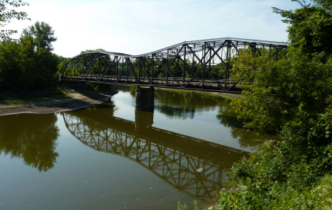 Broadway Bridge over the Mississippi River, St. Peter Minnesota, 2009