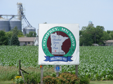Welcome sign, Comfrey Minnesota, 2014