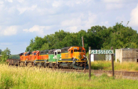 Burlington Northern train coming through Grasston Minnesota, 2008