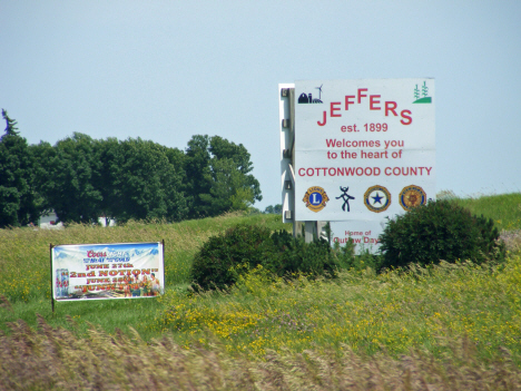 Welcome sign, Jeffers Minnesota, 2014