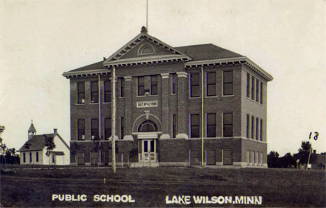 Public school, Lake Wilson Minnesota, 1909