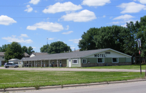 Bird Cage Motel, Old Highway 60, Madelia Minnesota, 2014