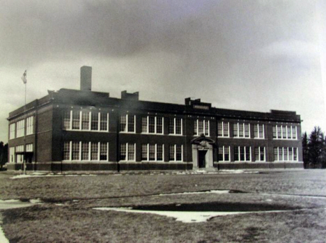 Roosevelt School, Riverton Minnesota, c1920
