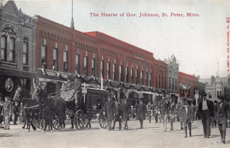 Hearse carrying Minnesota Governor John Johnson, St. Peter Minnesota, 1909