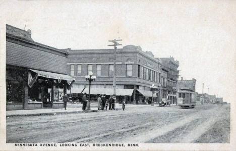Minnesota Avenue looking east, Breckenridge Minnesota, 1926