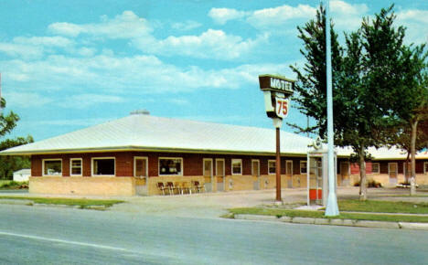 Motel 75, Breckenridge Minnesota, 1960's